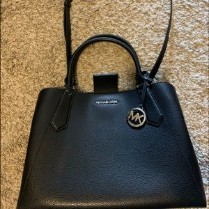Brand new without tag Micheal kors leather